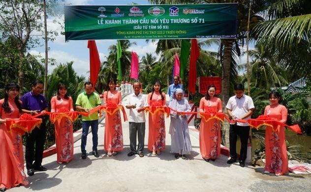 Nhựa Tiền Phong tài trợ xây dựng cầu tại Vĩnh Long và Bến Tre