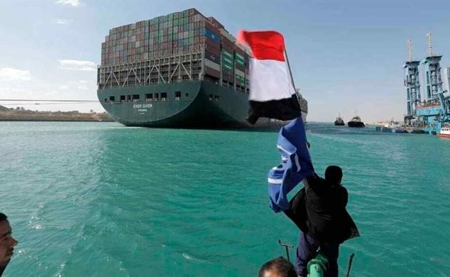 Kênh đào Suez mở cửa trở lại