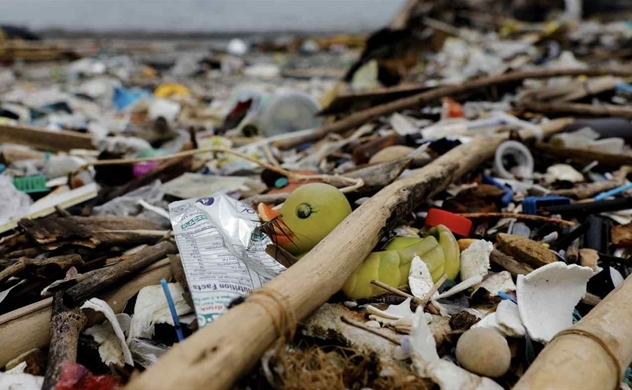 Rác thải nhựa: Mối đe dọa ngày càng tăng và cơ hội bị lãng phí