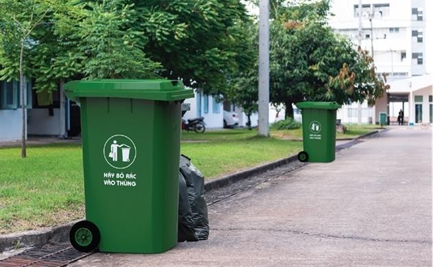 Vai trò của thùng rác nhựa trong môi trường sống hiện đại