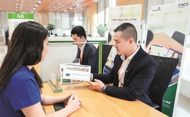 1 năm hợp tác Vietcombank - FWD: Sức mạnh đã cộng hưởng