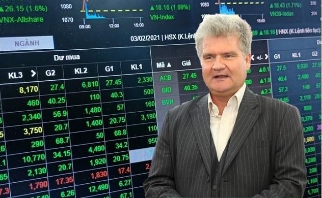 """""""Lỡ"""" sóng thép, PYN Elite Fund kiên định với nhóm ngân hàng"""