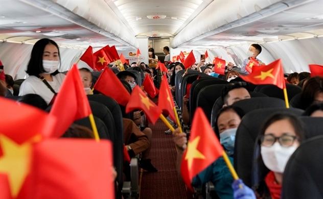 Hành trình đặc biệt mừng ngày Thống nhất đất nước 30.4 trên tàu bay Vietjet