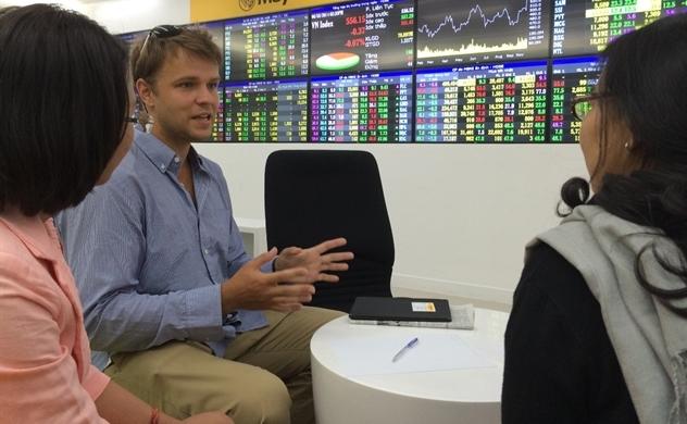 Thị trường chứng khoán: Nhà đầu tư chỉ nên mua thăm dò với tỉ trọng thấp