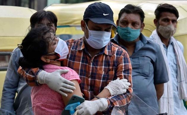 """Thảm họa COVID-19 khiến Ấn Độ phải """"quỳ gối"""""""