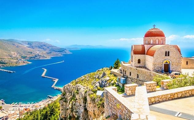 Hy Lạp kiểm soát đại dịch và khởi động du lịch trong mùa hè