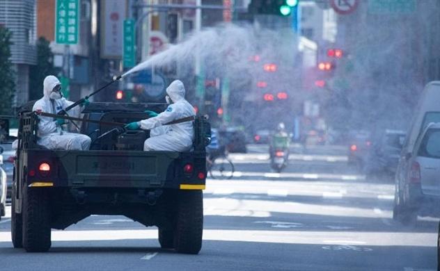 Từ một quốc gia khống chế thành công đại dịch, hiện số ca nhiễm ở Đài Loan đột ngột tăng mạnh