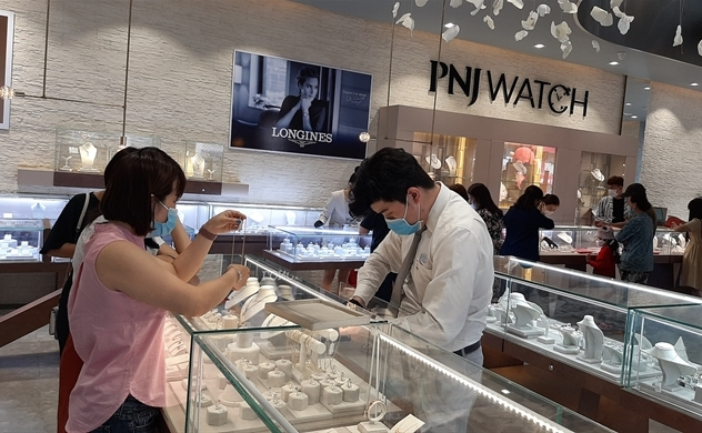 Phu Nhuan Jewelry's 4-month net income jumps over 95%