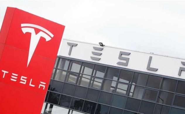 Tesla chuẩn bị trả trước chip để khắc phục tình trạng thiếu hụt