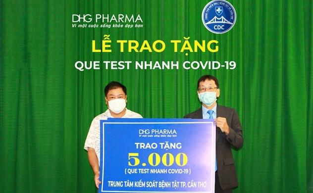 Cán bộ nhân viên Dược Hậu Giang tình nguyện đóng góp một ngày lương vào quỹ vaccine phòng dịch COVID-19
