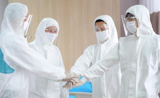 ILA trao tặng gói học bổng 50 tỉ đồng cho con nhân viên y tế đang trực tiếp điều trị COVID-19