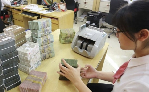 Vietnam's credit growth to reach 13% in 2021: central bank survey