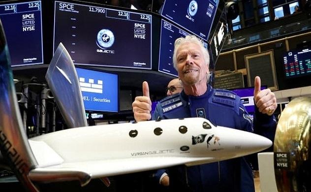 Tỉ phú Richard Branson hoàn thành giấc mơ bay vào vũ trụ