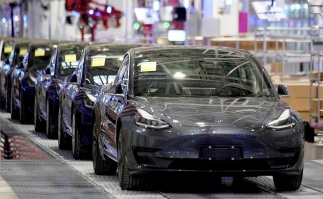 Mỹ đang tụt hậu xa hơn so với Trung Quốc và Châu Âu về sản xuất xe điện