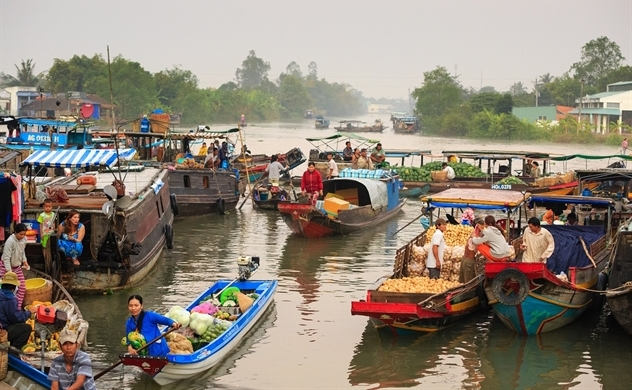 Vietnam targets average growth rate of at least 6.5% in next five years
