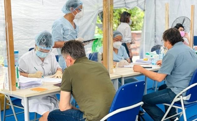 Chiến dịch tiêm vaccine ngừa COVID-19 tại bệnh viện FV