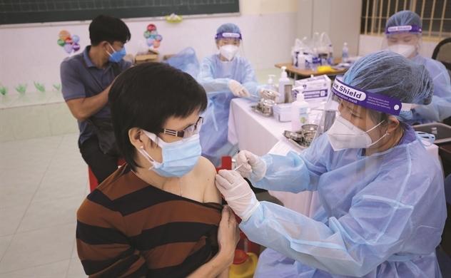 Vaccine, vaccine và vaccine!