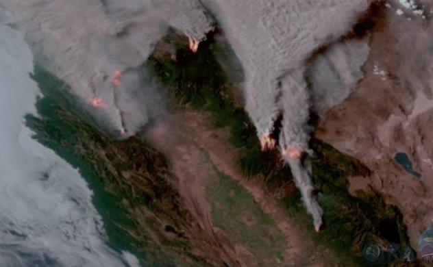California điêu đứng vì vụ cháy rừng nghiêm trọng nhất trong lịch sử