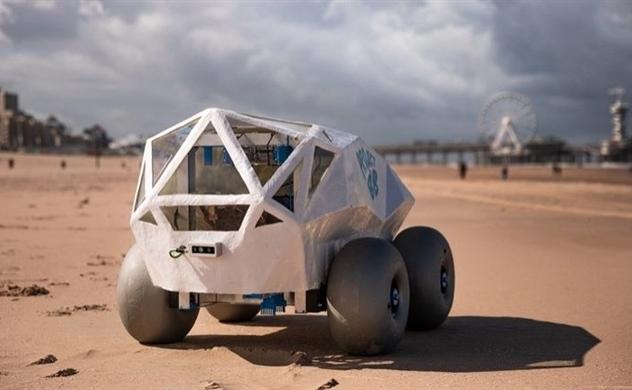 Xuất hiện Robot A.I nhặt một loại rác phải mất tới 14 năm để phân hủy trên bãi biển
