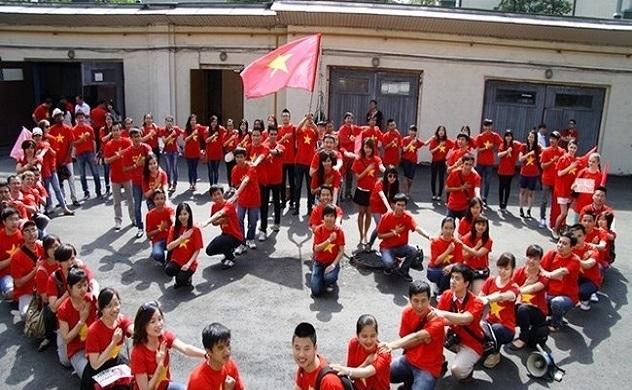 Bộ Chính trị: Tập trung 6 nhiệm vụ, giải pháp về công tác người Việt Nam ở nước ngoài