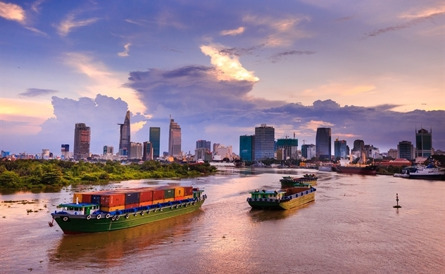 Vietnam: strong exports carry weight of potential risks