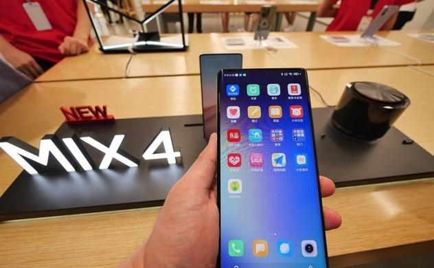 """Sự trỗi dậy của Xiaomi là """"sản phẩm"""" từ sự sụp đổ của Huawei"""