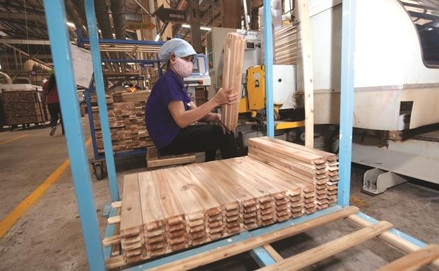 Ngành gỗ lo trên đống đơn hàng