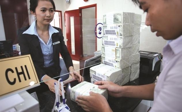Lãi suất huy động giảm nhẹ ở một số ngân hàng thương mại lớn