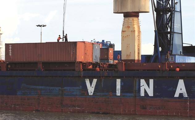 Cước vận tải biển tạo hiệu ứng domino