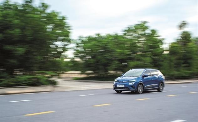 Ô tô điện và thương mại điện tử ô tô đang định hình lại nền công nghệ ô tô toàn cầu