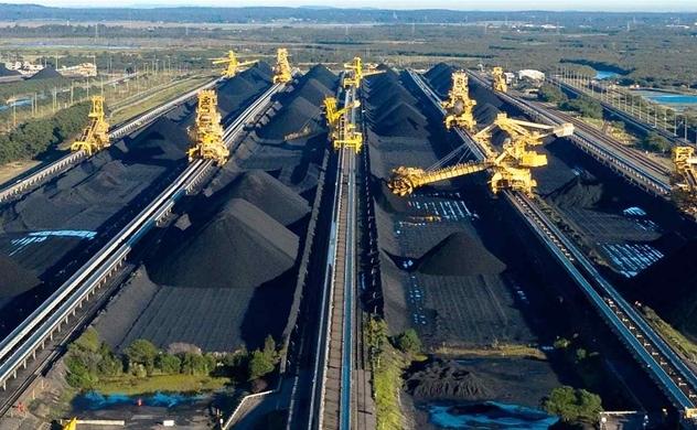 Cổ phiếu ngành than đang hưởng lợi, bất chấp xu hướng năng lượng xanh