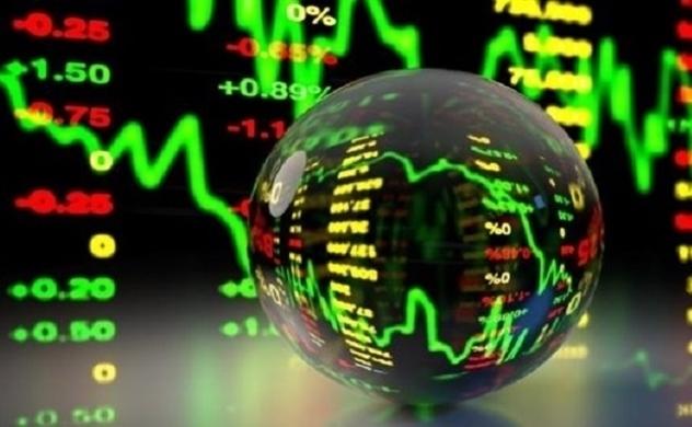 Tiền đổ vào cổ phiếu bất động sản và thoái vốn
